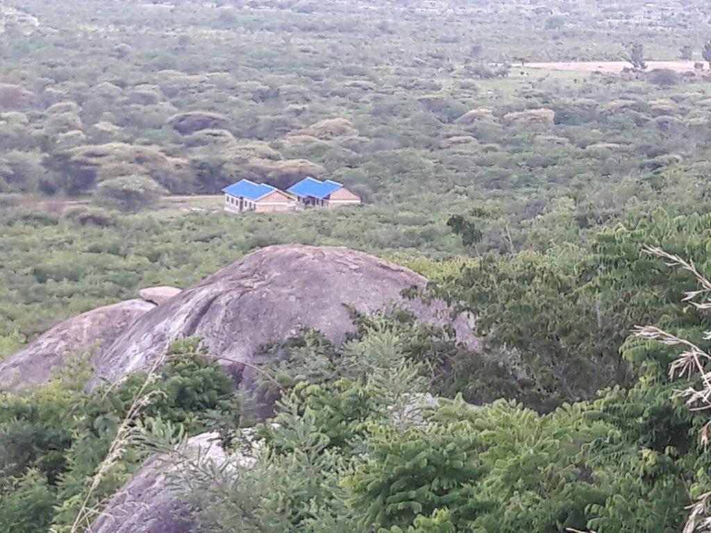 Vista del colegio desde la montaña